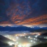 Trevlig soluppgång arkivfoton