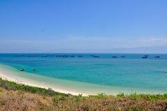 Trevlig strand i det Binh Thuan landskapet, Vietnam Royaltyfri Foto
