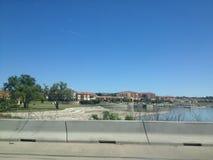 Trevlig utveckling längs sjön arkivfoto