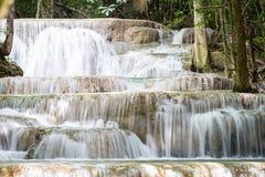 Trevlig vattenfall i Thailand Royaltyfria Bilder