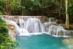 Trevlig vattenfall i Thailand Royaltyfri Foto