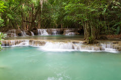 Trevlig vattenfall i Thailand Fotografering för Bildbyråer