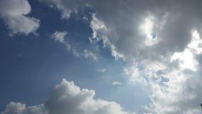 Trevliga moln på den blåa himlen Fotografering för Bildbyråer