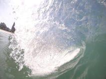 Trevligt rör på kustavbrott av den Barra da Tijuca stranden - RJ royaltyfri foto