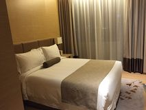 Trevligt sovrum i hotell Fotografering för Bildbyråer