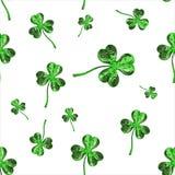 Trevo do efeito do dia 3d de St Patrick sobre o fundo do espaço Cumprimento decorativo sujo ou cartão Textura sem emenda illustra Imagem de Stock Royalty Free