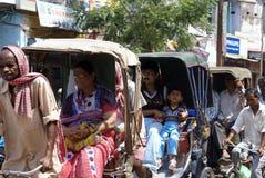 Tráfico en la India Fotos de archivo