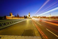Tráfico a través de Londres Foto de archivo libre de regalías