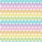 Triángulos dibujados mano del arco iris en el fondo blanco Fotos de archivo