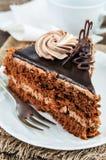 Triângulo do bolo de chocolate imagem de stock