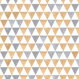 Triângulos simples da origem étnica sem emenda dourado e de prata Imagem de Stock