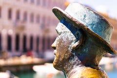 Triëst, Italië - 29 April 2017: James Joyce-standbeeld Royalty-vrije Stock Foto's