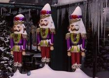 Tri de decorações de Christmas do soldado na neve e no gelo foto de stock royalty free