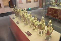 Tri gekleurd verglaasd aardewerk royalty-vrije stock fotografie