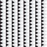 Triangle noire et blanche avec la ligne verticale grise modèle de chevron Image stock