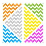 Triangoli astratti BG bianca di colore dell'ornamento dell'onda royalty illustrazione gratis