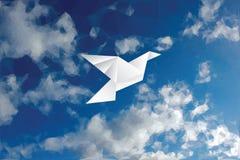 Triangolo nuvoloso della colomba Fotografia Stock