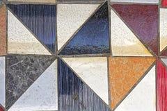 Triangulära tegelplattor arkivbilder