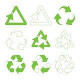Triangulaires verts réutilisent Images stock