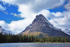 Triangular mountain Royalty Free Stock Photography