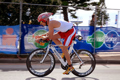 Triathlete Andreas Niedrig (Allemagne) d'Ironman Photo stock