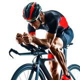 Triathlete triathlon cyklisty kolarstwa sylwetka odizolowywa? bia?ego t?o zdjęcia royalty free