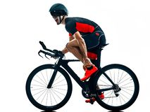 Triathlete triathlon cyklisty kolarstwa sylwetka odizolowywa? bia?y b fotografia royalty free