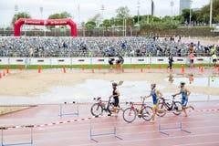 Triathlon Barcelona - completando un ciclo Imagen de archivo libre de regalías