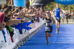 Triathlon Barcelona - laufend stockfotos