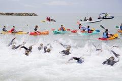 Triathlon Barcelona - Schwimmen Lizenzfreie Stockfotos