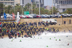 Triathlon Barcelona - Schwimmen Lizenzfreies Stockbild