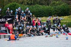 Triathlon de château de Hever nageurs 2017 le 23 septembre Photographie stock libre de droits