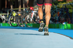 Triathlon la zone de transition Images libres de droits