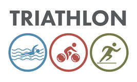 Triatlonembleem en pictogram Het zwemmen, het cirkelen, lopende symbolen Royalty-vrije Stock Foto's