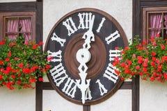 TRIBERG NIEMCY, SIERPIEŃ, - 21 2017: Duży kukułka zegar w W Zdjęcia Stock
