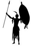 Tribo Zulu do guerreiro com o isolado do protetor e das lanças Fotos de Stock Royalty Free