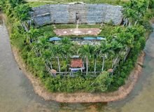 Tribuna abbandonata Hue Vietnam del waterpark fotografie stock