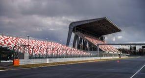Tribuna gigante com assentos colorized Foto de Stock Royalty Free