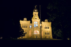 Tribunale della contea di Blue Earth alla notte Immagini Stock