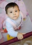 Tribune op baby Stock Foto's