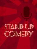 Tribune op de affiche van de komediegebeurtenis Retro stijl vectorillustratie van donker silhouet van microfoon bij rode starburs Royalty-vrije Stock Afbeeldingen