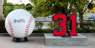 Tribut zum Hall of Fame-Pitcher Greg Maddux bei Turner Field stockbilder