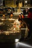 Tribute, die ausgebreitet werden, nachdem das Paris Paris-Angriffe af in Angriff nimmt Stockbilder