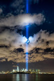 Tributo di New York in un World Trade Center luminoso Immagini Stock Libere da Diritti