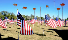 Tributo permanente da bandeira americana aos veteranos em Abilene, TX Foto de Stock