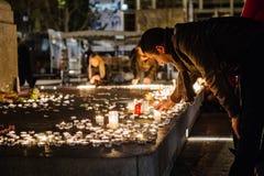 Tributos que estão sendo apresentados depois que a Paris ataca os ataques af de Paris Imagem de Stock