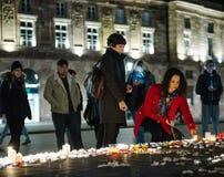 Tributos que estão sendo apresentados depois que a Paris ataca os ataques af de Paris Imagens de Stock