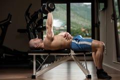 Triceps die met Domoor uitoefenen Royalty-vrije Stock Foto's