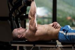 Triceps die met Domoor uitoefenen Stock Afbeelding