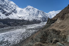 Trichtergletscher an Naltar-Dorf, Karimabad, Gilgit Baltistan, P stockbild